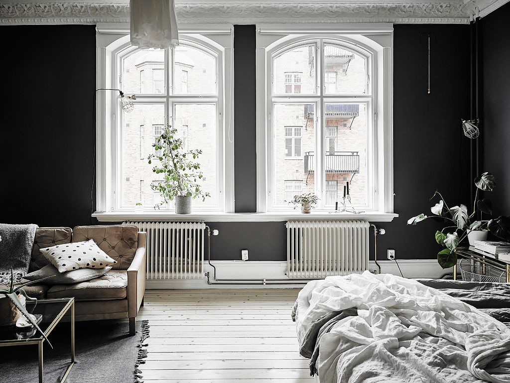 Black Amp White Scandinavian Interiors That Explore The Dark