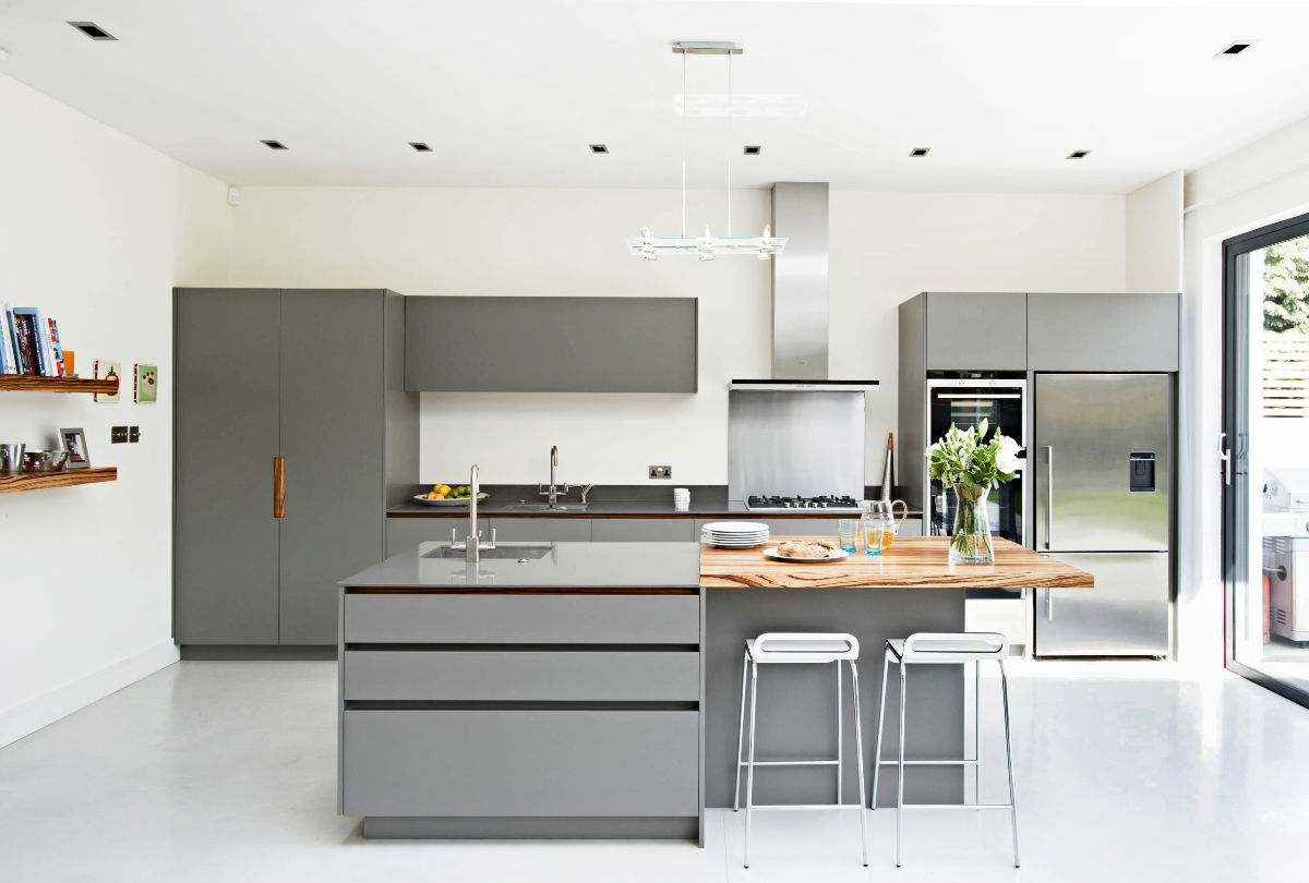 grey kitchen cabinets with white appliances 30 gorgeous grey and white kitchens that get their mix right 16101