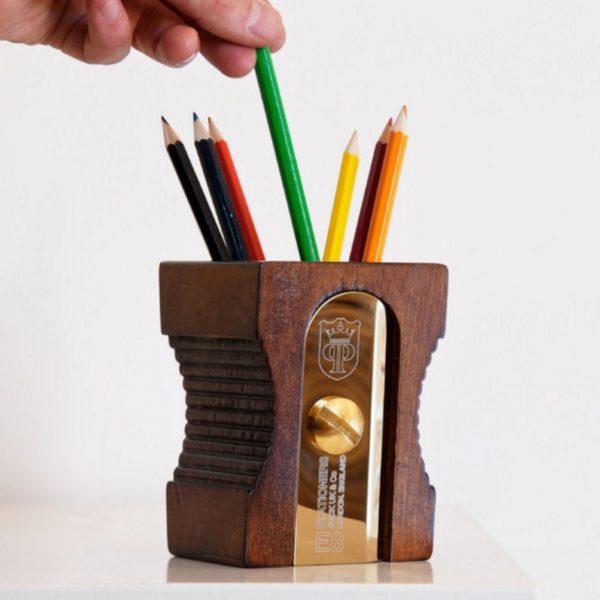 Fine 40 Unique Desk Organizers Pen Holders Home Interior And Landscaping Oversignezvosmurscom