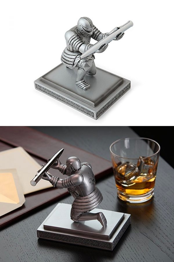 It Executive Knight Pen Holder