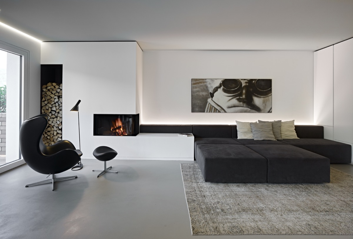30 Black Amp White Living Rooms That Work Their Monochrome Magic