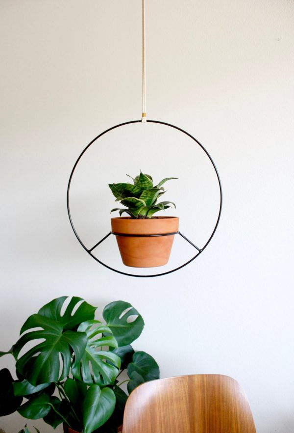 42 Unique, Decorative Plant Stands For Indoor & Outdoor Use on Hanging Plants Stand Design  id=12783