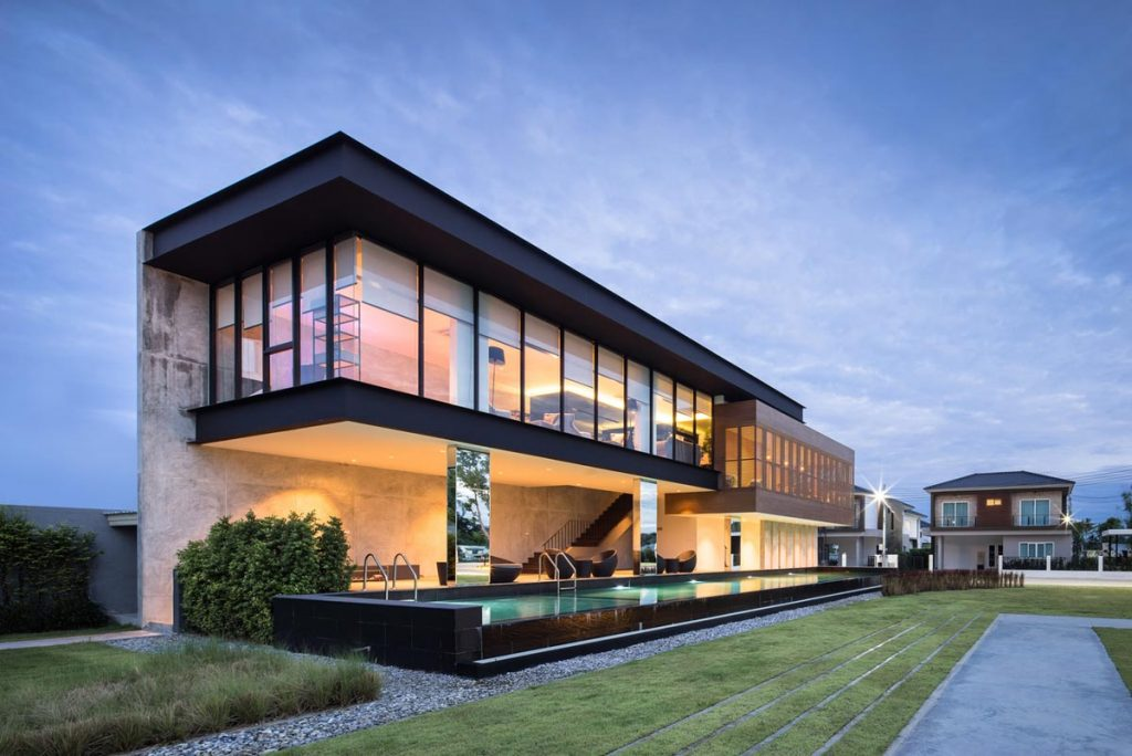 A Sprawling Modern Home in Bangkok