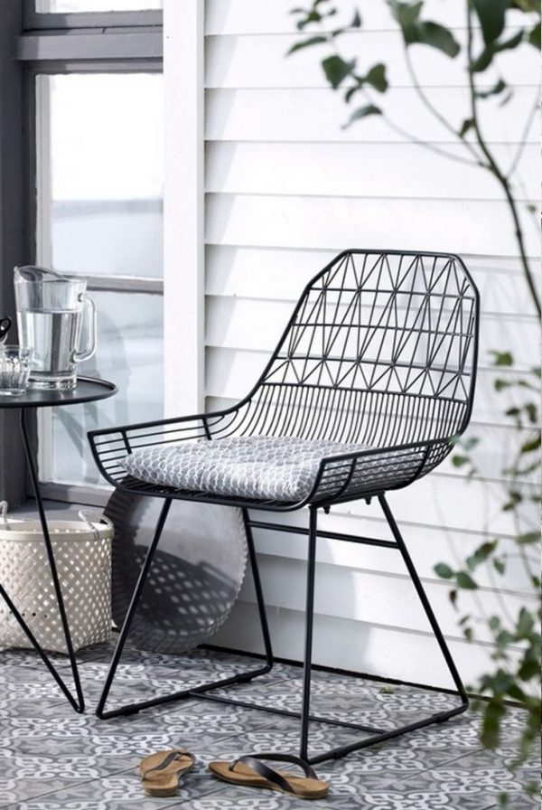 51 Modern Outdoor Chairs To Elevate Views Of Your Patio