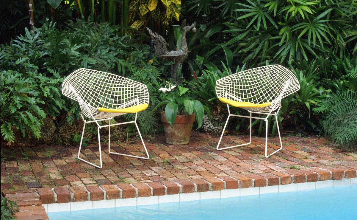 11 Modern Outdoor Chairs To Elevate Views of Your Patio & Garden