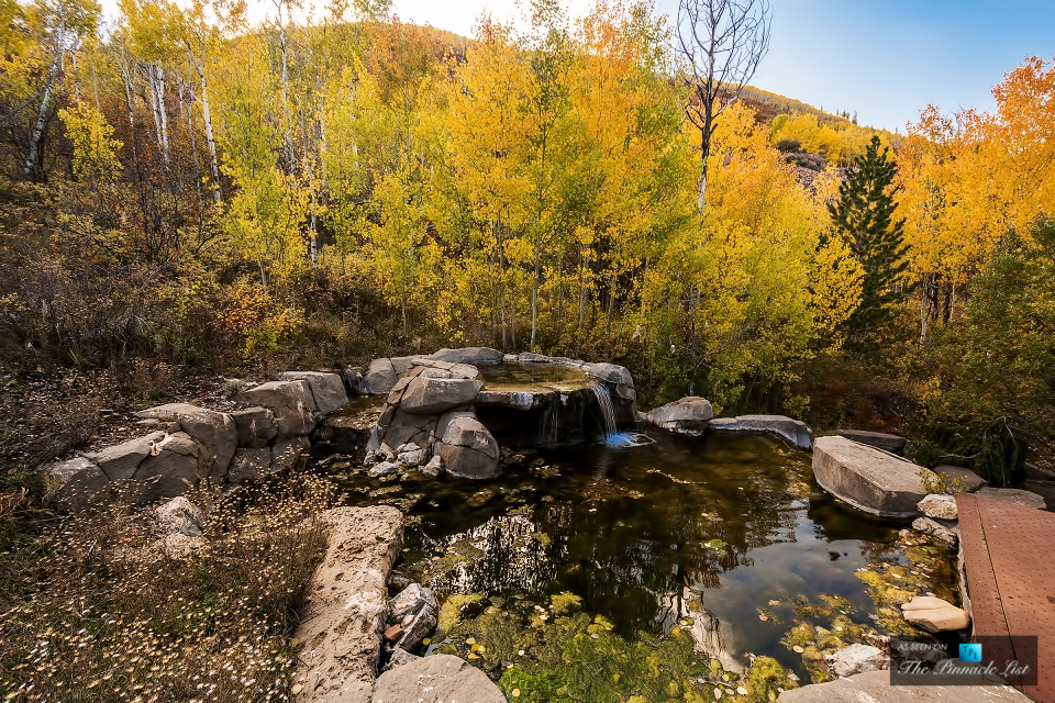 Although the location feels remote the residence is located within just a mile of park city and deer valley ski resorts