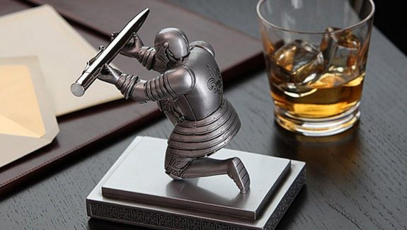 Product Of The Week: Knight Pen Holder
