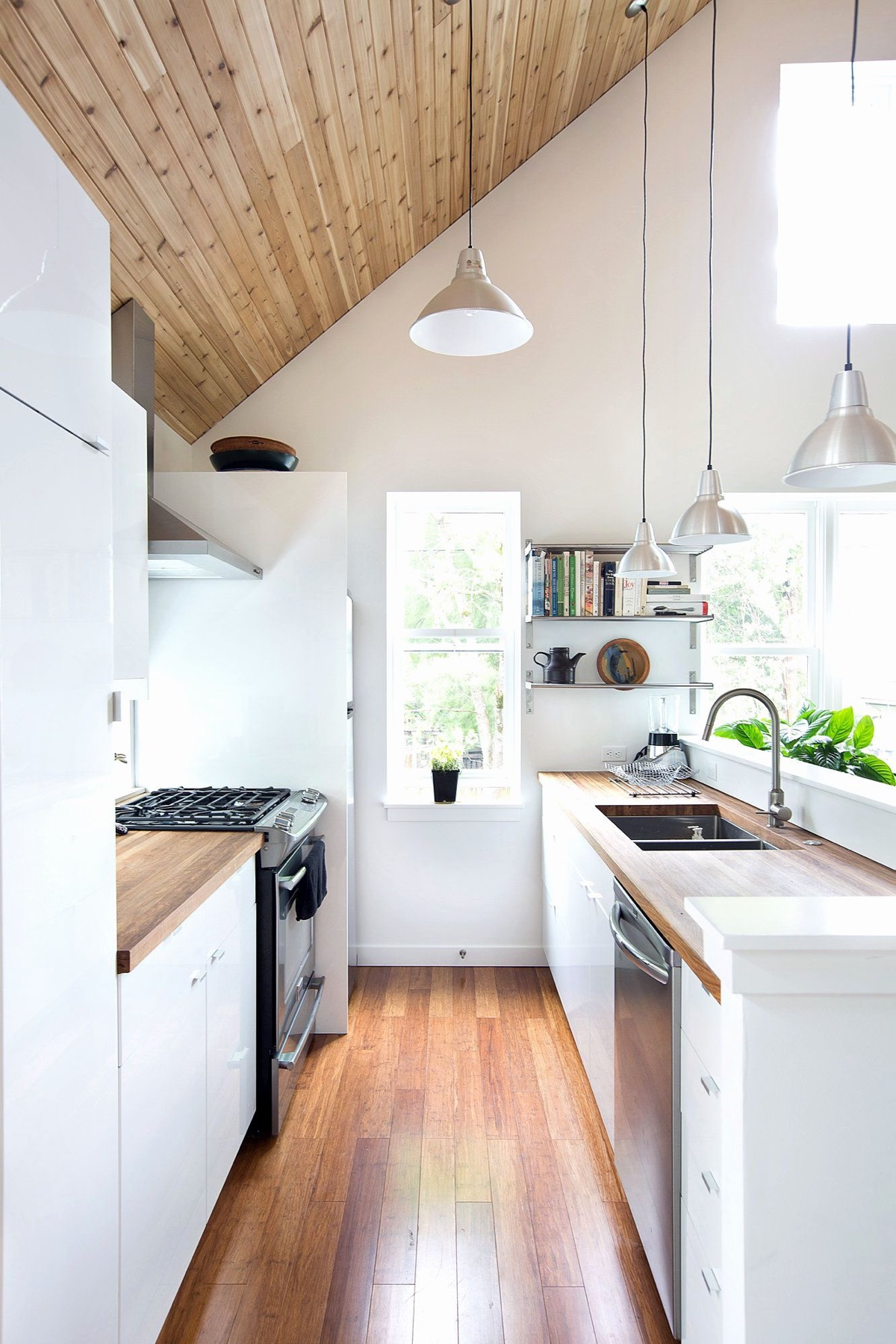 9 Gorgeous Galley Kitchens And Tips You Can Use From Them