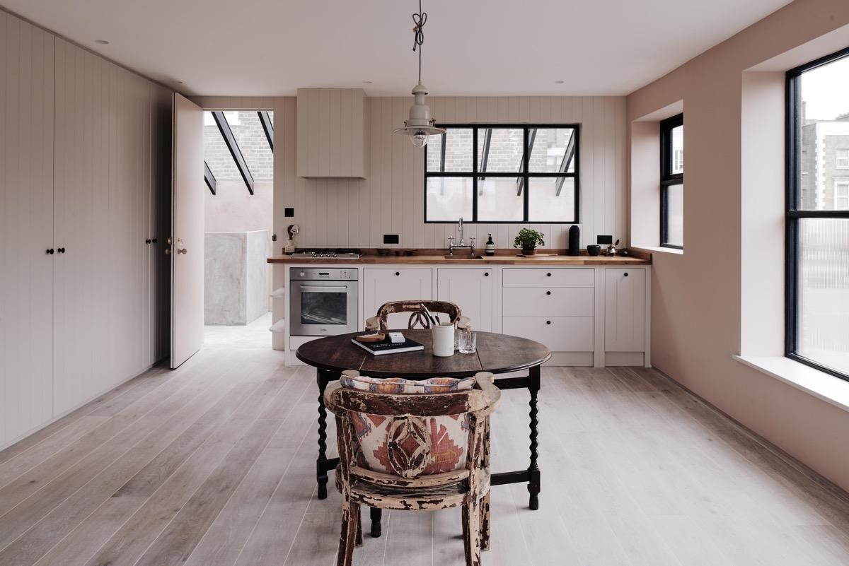 Paile pink kitchen decor