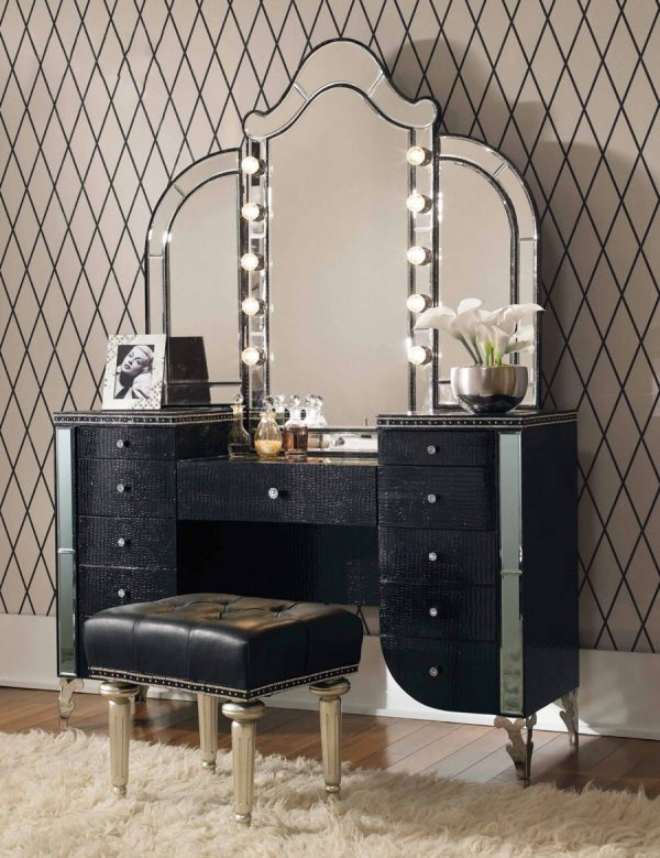 51 Makeup Vanity Tables To Organize, Black Vanity Set With Light Up Mirror