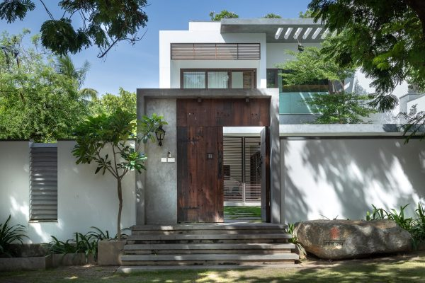 Gorgeous Modern Indian Villas With Courtyards