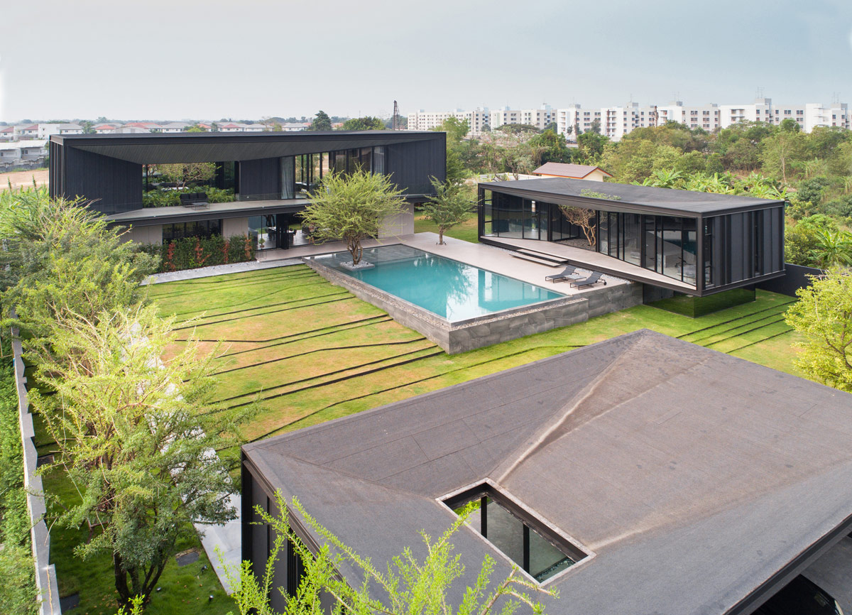 Unique Architecture With Oblique Lines And Multiple Courtyards
