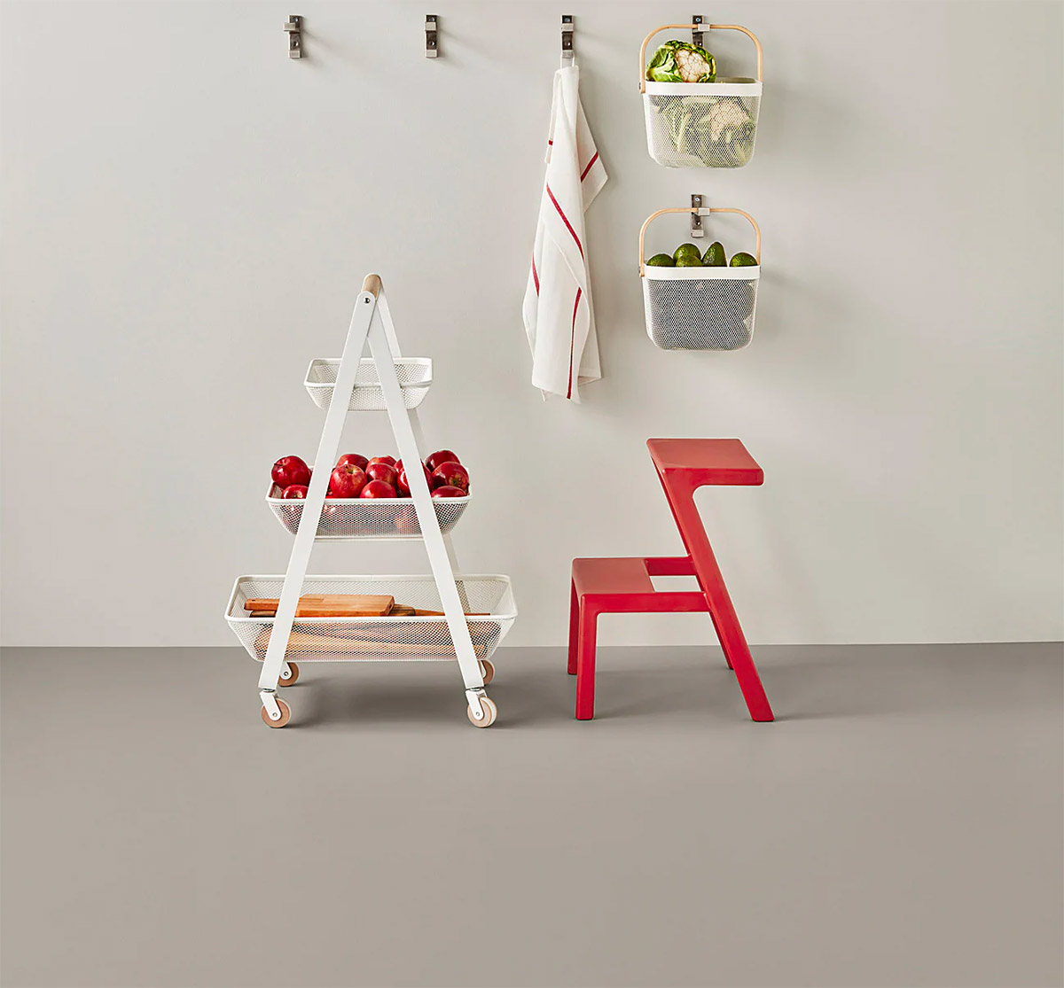 8 Step Stools and Ladders That Give You Extra Reach with