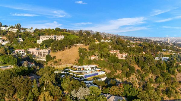 A Beverly Hills House With A Dinosaur Skeleton Is For Sale