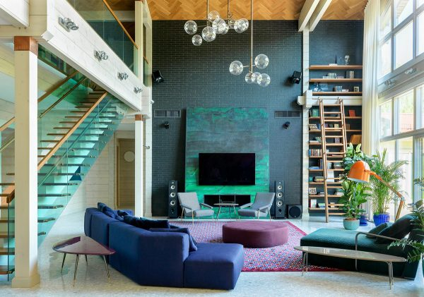 Attention Grabbing Home Design Packed With Colourful Chic Modernity
