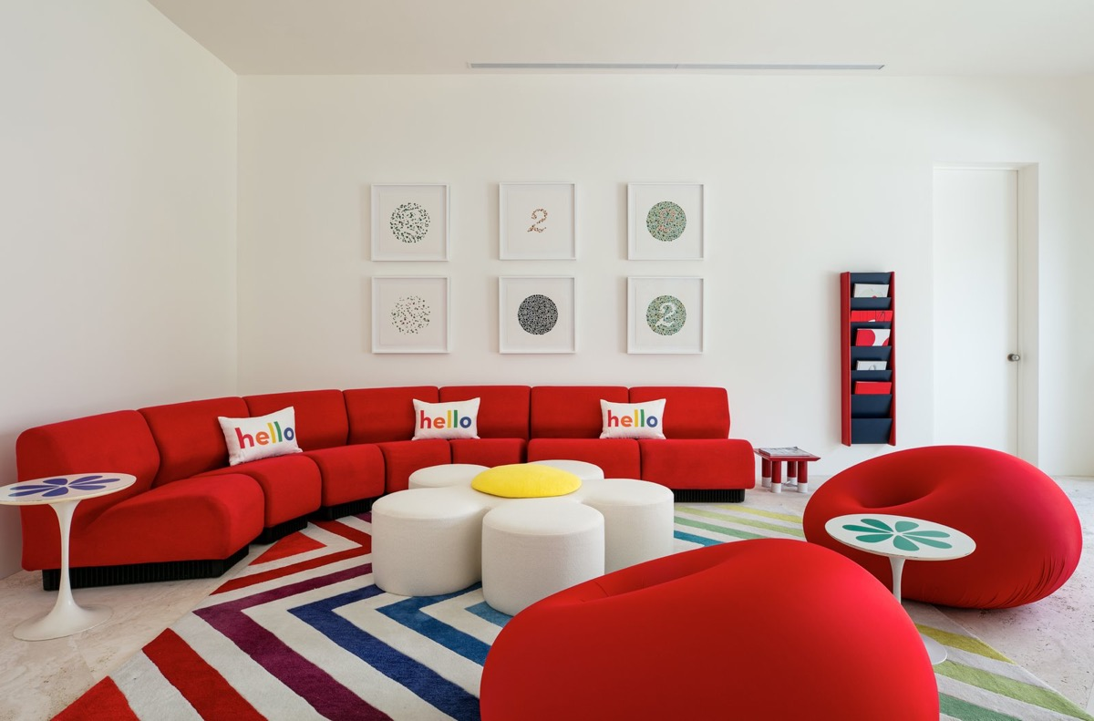 12 Red Living Rooms With Tips And Accessories To Help You Decorate