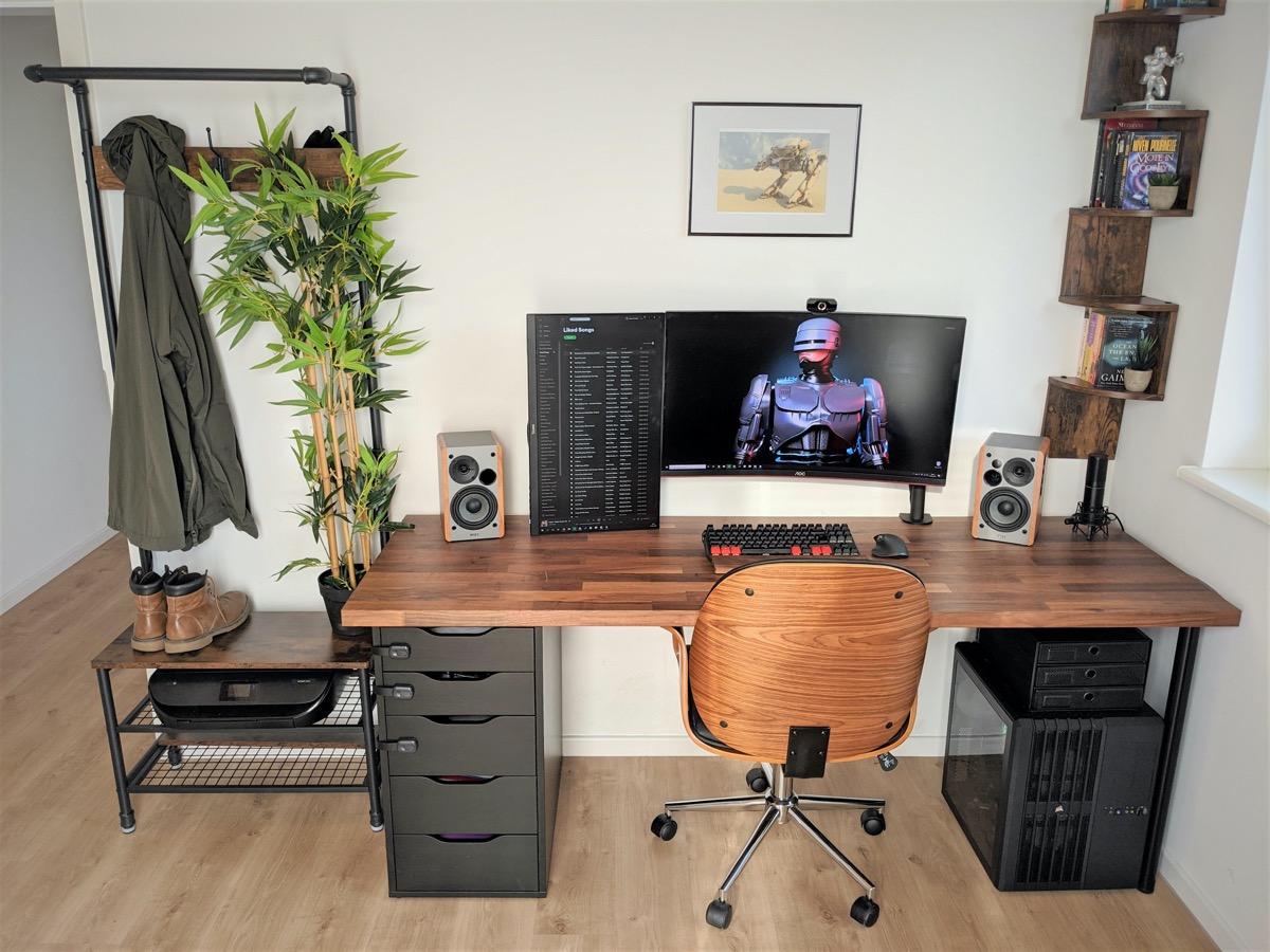 40 Workstation Setups That We Really Like