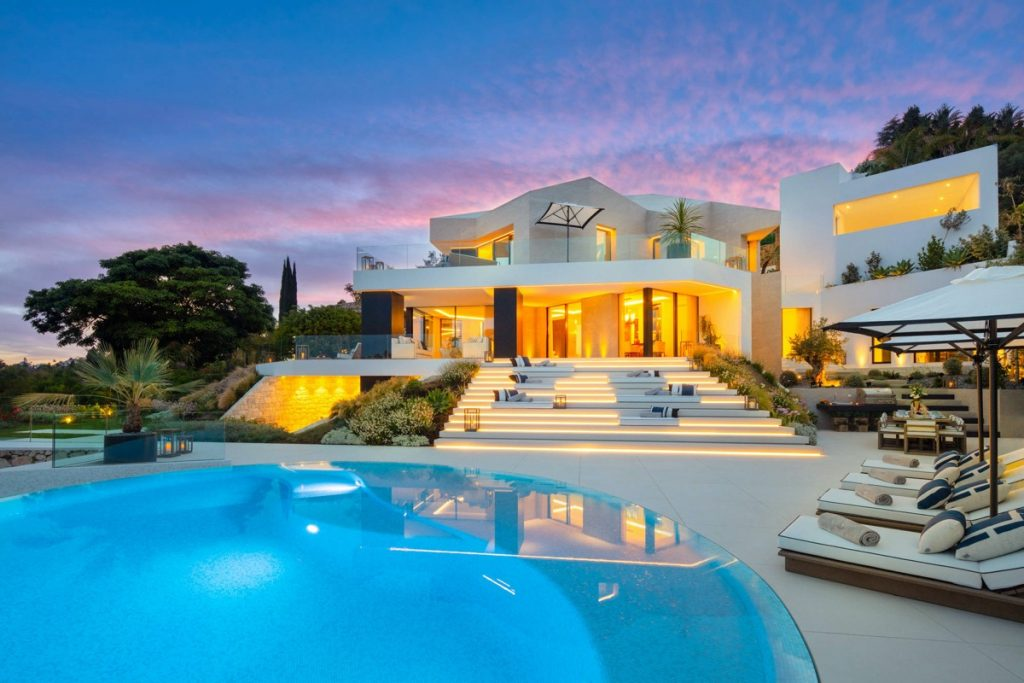 State Of The Art Modern Villa With Panoramic Views