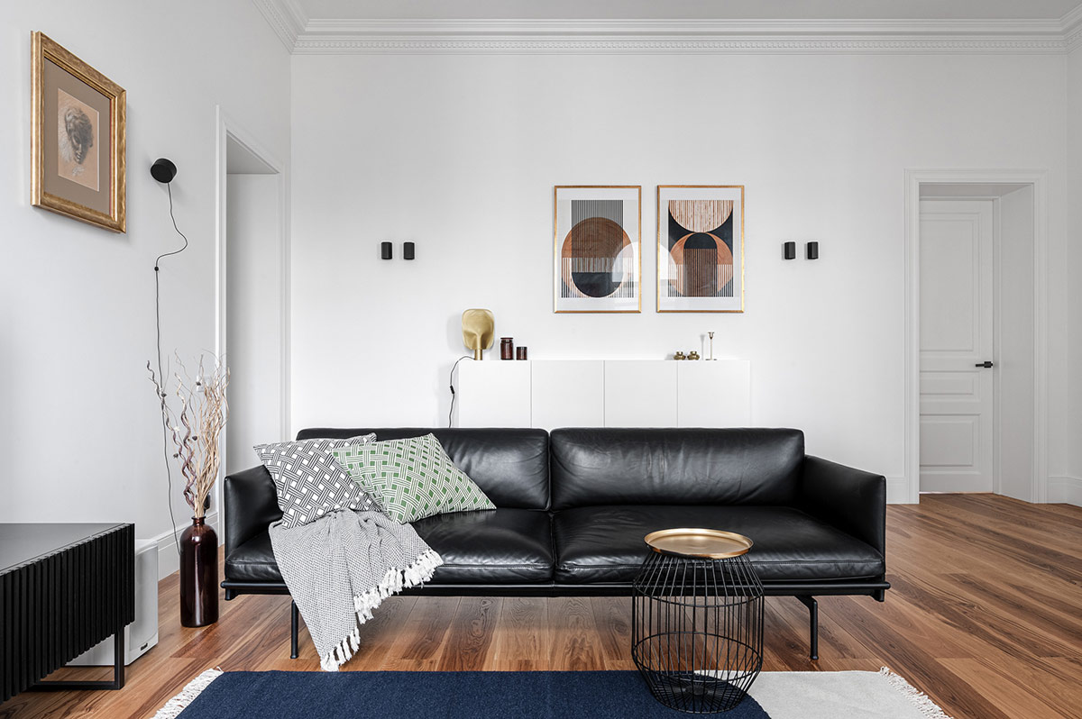 Minimalist Interior Inspiration, Black White And Gold Living Room