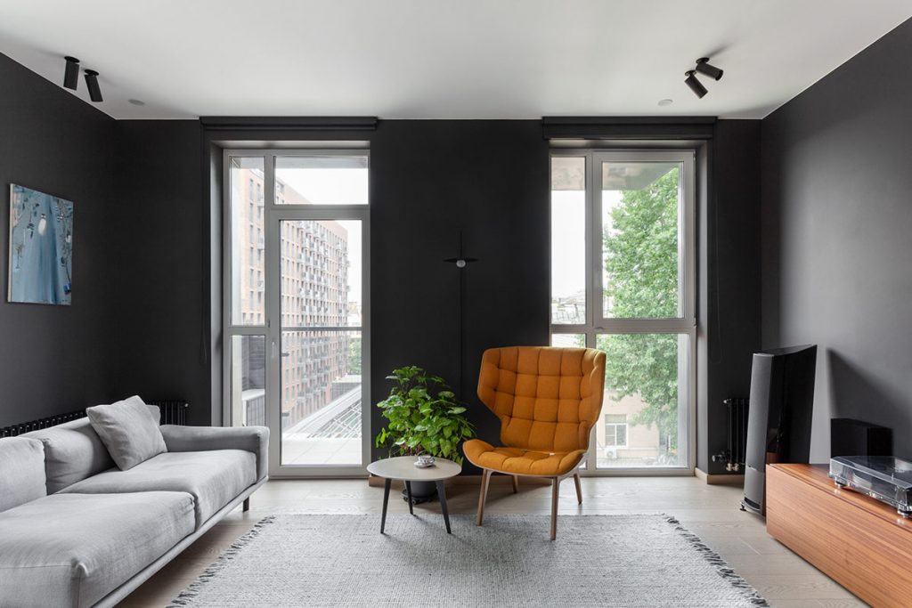 Bringing Dark Interiors Out Of The Shadows With Colourful Accents