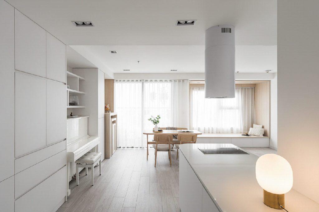 Expanding Modern Interiors With Minimalist White Decor